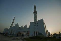 Mesquita branca em Abu Dhabi foto de stock