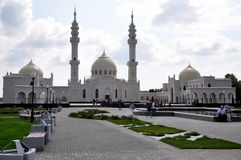 Mesquita branca na vila da búlgara Fotografia de Stock