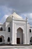 Mesquita branca na vila da búlgara Fotos de Stock Royalty Free