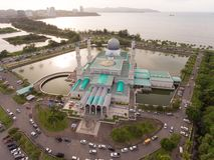 Mesquita da cidade de Kota Kinabalu fotos de stock royalty free