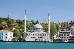 Mesquita de Beylerbeyi em Istambul Imagem de Stock