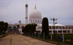 Mesquita de Dargah em Srinagar Kashmir, Índia imagens de stock royalty free