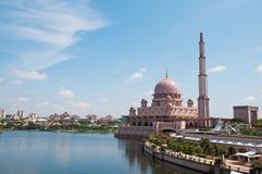 Mesquita de Putra em Putrajaya Imagens de Stock
