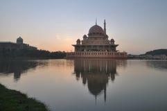 Mesquita de Putra na manhã Fotografia de Stock