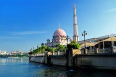Mesquita de Putra, Putra Jaya Fotos de Stock