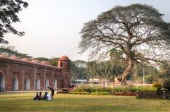Mesquita de Shait Gumbad em Bagerhat, Bangladesh fotografia de stock