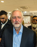 Mesquita de visita de Jeremy Corbyn imagens de stock