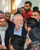 Mesquita de visita de Jeremy Corbyn imagens de stock royalty free