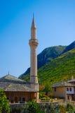 Mesquita e minarete nos Balcãs Imagem de Stock Royalty Free