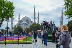 Mesquita e quadrado azuis de Sultanahmet imagem de stock royalty free
