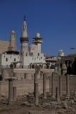 Mesquita egípcia e ruínas fotos de stock