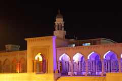 Mesquita iluminada na noite Oman Imagens de Stock