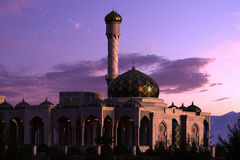 Mesquita luxuosa no por do sol Fotografia de Stock Royalty Free