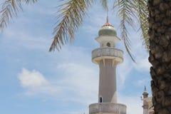 A mesquita a mais bonita de Masjid no céu e em nuvens islâmicos bonitos do projeto da arte de Tailândia Fotografia de Stock
