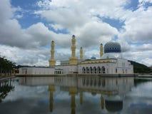 Mesquita Masjid Bandaraya em Kota Kinabalu Fotos de Stock Royalty Free