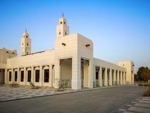 Mesquita moderna bonita com um olhar antigo tradicional imagens de stock