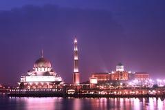 Mesquita na noite Fotografia de Stock Royalty Free