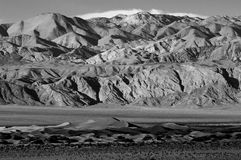 Mesquite Sand Dunes and mountains in Death Valley Royalty Free Stock Photos