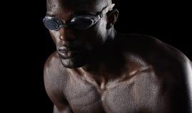 Messa a fuoco del nuotatore sull'addestramento Immagine Stock