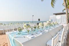 Messa a punto di nozze di spiaggia Immagini Stock Libere da Diritti