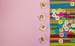 Message d'amour écrit dans le bloc en bois Photographie stock libre de droits