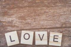 Message d'amour écrit dans les blocs en bois Photos libres de droits