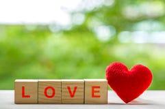 Message d'amour écrit dans les blocs en bois Photographie stock
