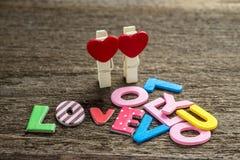 Message d'amour écrit sur le fond en bois Photo libre de droits