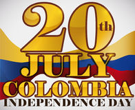 Message d'or et drapeau de ondulation pour la célébration de Jour de la Déclaration d'Indépendance de la Colombie, illustration d Photos stock