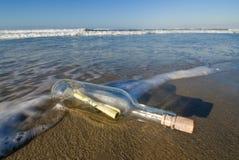 Message dans une bouteille Photo libre de droits