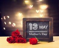 Message de jour de mères avec des roses Image libre de droits