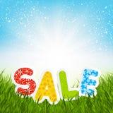 Message de vente sur l'herbe verte Image libre de droits