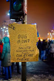Message drôle à la protestation roumaine à Bucarest, Roumanie Photos libres de droits