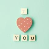 Message en bois de coeur et d'amour Photos stock