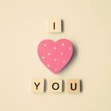 Message en bois de coeur et d'amour Photographie stock libre de droits