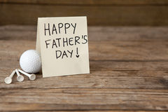 Message heureux de jour de pères avec des équipements de sports Photos libres de droits