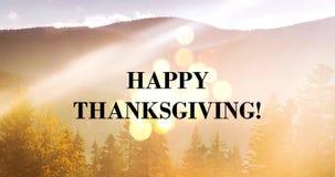 Message heureux de Thanksgiving sur le contexte de paysage de montagne banque de vidéos