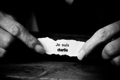 Message on paper in hands - je suis charlie Stock Image
