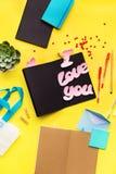 Message vibrant adolescent d'objets de style je t'aime image libre de droits