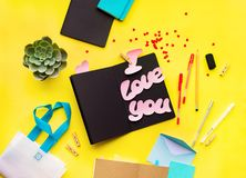 Message vibrant adolescent d'objets de style je t'aime images stock