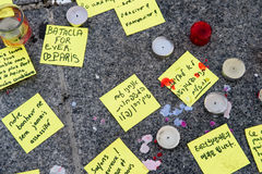 Messages, candles and flowers in memorial for the victims Royalty Free Stock Images