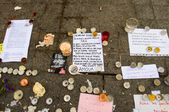 Messages, candles and flowers in memorial for the victims Royalty Free Stock Photos