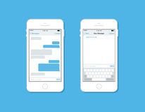 Messaggio e chiacchierare sul modello di vettore del telefono cellulare Fotografie Stock Libere da Diritti