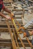 Messende und markierende Stahlstangen für die Herstellung von Strahlnkäfigen 2 Stockfotos