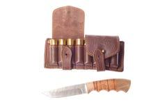 Messer mit Munition für die Jagd Stockfotos