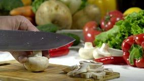 Messer-Schnitt-Pilze stock footage