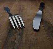 Messer und Gabel auf Countertop Lizenzfreies Stockbild