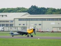 Messerchmitt BF-109G (Hispano HA-1112 MIL Buchon) som tar av för Arkivfoto