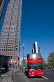 Messeturm van het handelsbeursgebouw wordt gezien - Frankfurt dat Stock Afbeeldingen