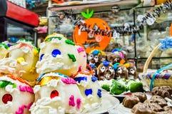 Messicano variopinto Sugar Skulls 1 Fotografie Stock Libere da Diritti